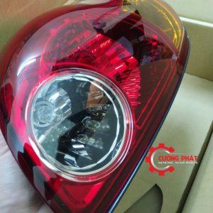 Cận cảnh mặt trước đèn hậu trái Mitsubishi Triton 2005-2009