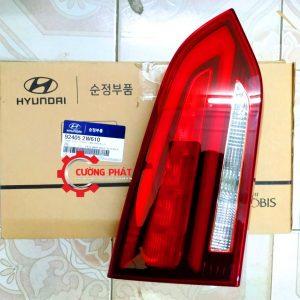 Hình ảnh đèn hậu trong Hyundai Santafe chính hãng
