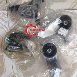 Hình ảnh bộ chân máy Chevrolet Captiva máy xăng chính hãng