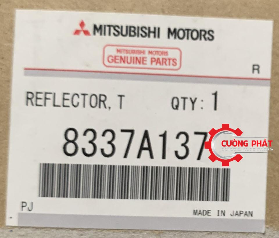 Mã đèn báo lùi bên trái Mitsubishi Outlander chính hãng