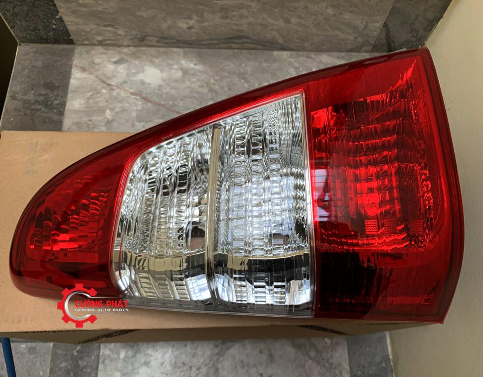 Hình ảnh đèn hậu Toyota Innova 2013 chính hãng