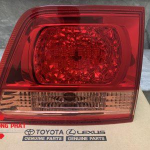 Hình ảnh đèn hậu trong Toyota Fortuner chính hãng