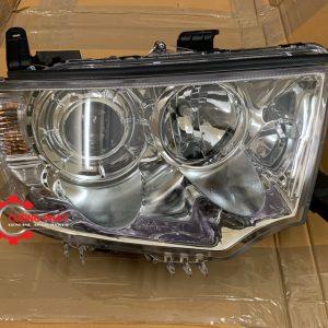 Hình ảnh đèn pha Mitsubishi Pajero Sport 2013-2018 chính hãng