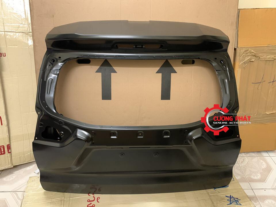 Hình ảnh cánh cửa hậu Mitsubishi Xpander chính hãng