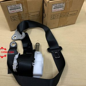 Hình ảnh dây đai an toàn trước Toyota Hilux 2018 chính hãng