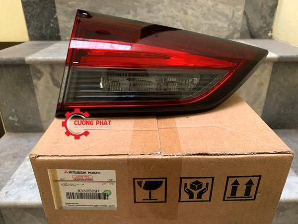 Hình ảnh đèn lái sau phía trong Mitsubishi Xpander chính hãng