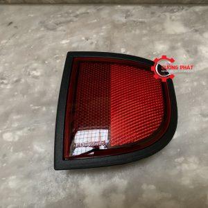 Hình ảnh đèn phản quang sau Mitsubishi Triton 2010 chính hãng