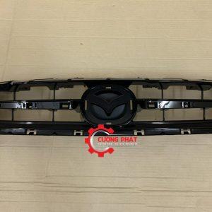 Hình ảnh mặt ca lăng Mazda 2 2015 chính hãng