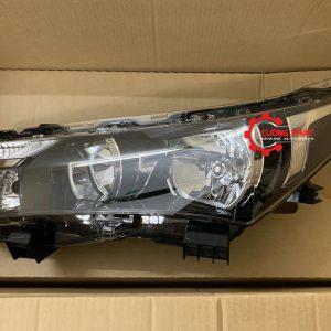 Hình ảnh đèn pha Toyota Corolla Altis 2015 1.8 chính hãng