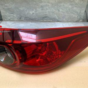 Hình ảnh đèn hậu miếng ngoài Mazda 3 2013-2016 chính hãng
