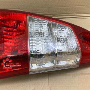 Hình ảnh đèn hậu Toyota Innova 2013-2015 chính hãng