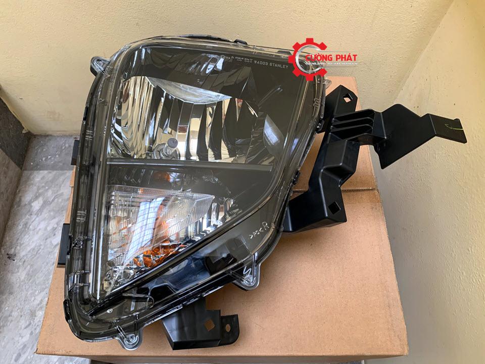 Hình ảnh đèn pha Mitsubishi Xpander 2018, 2019 chính hãng, bản halogen không LED