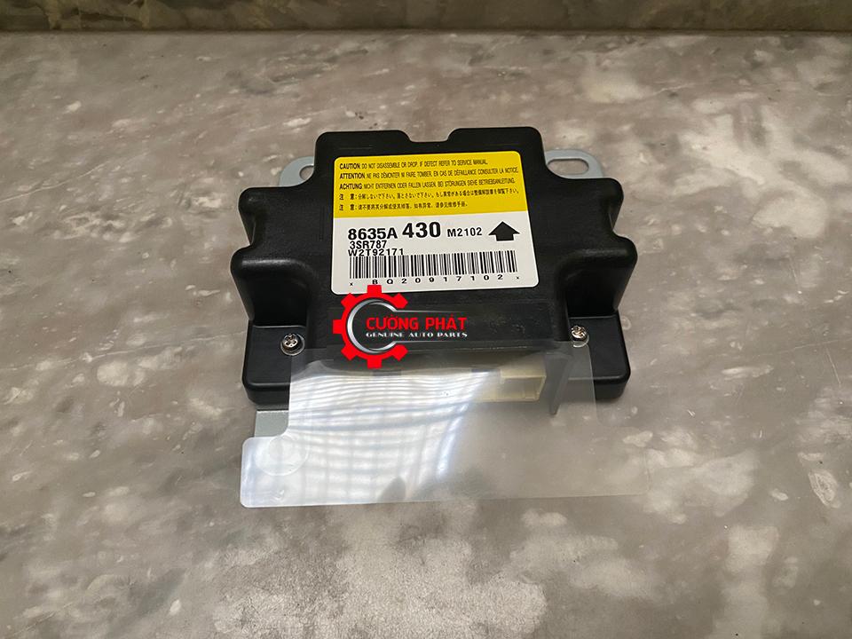 Hình ảnh hộp điều khiển túi khí Xpander chính hãng