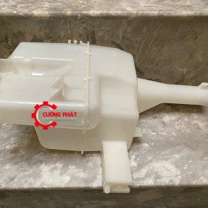 Cận cảnh bình nước rửa kính Mitsubishi Xpander chính hãng
