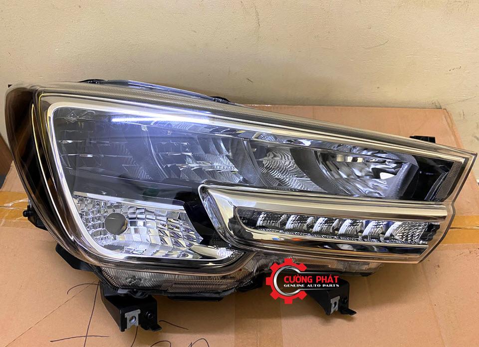 Hình ảnh đèn pha Suzuki XL7 chính hãng