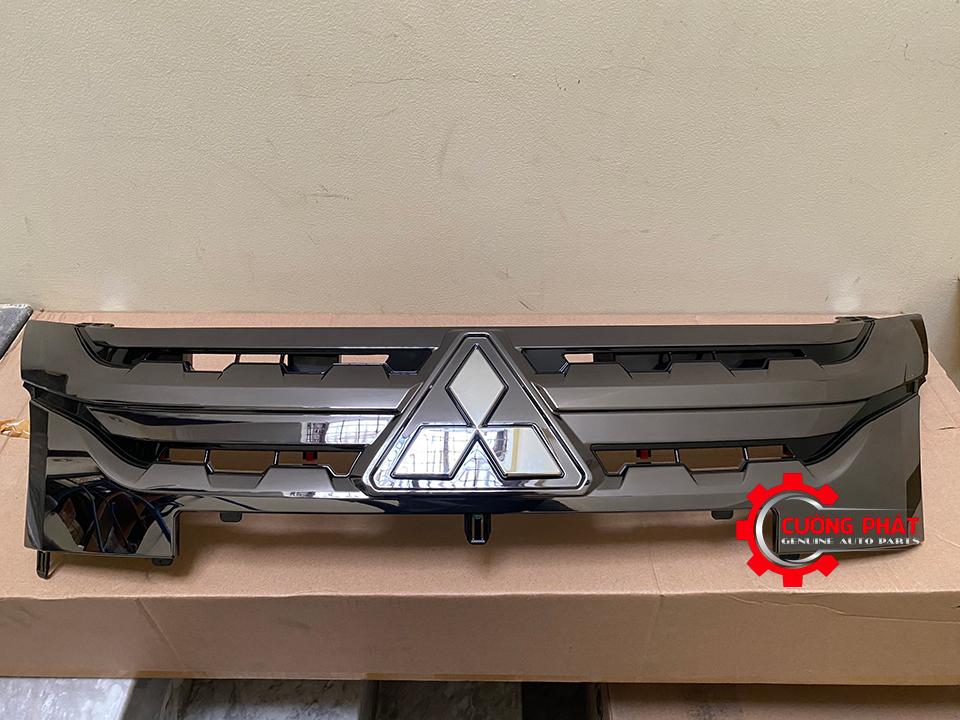 Hình ảnh mặt ga lăng Xpander Cross 2020 chính hãng