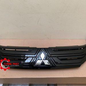 Hình ảnh mặt ga lăng đen Mitsubishi Xpander 2020