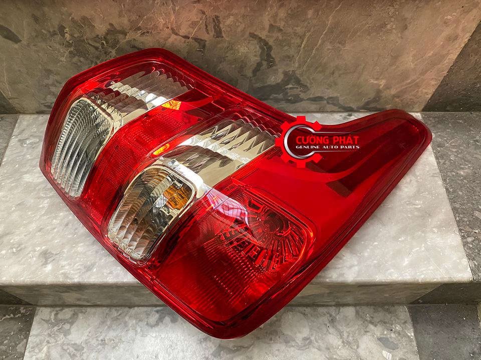 Hình ảnh đèn lái sau Triton 2015-2018 chính hãng